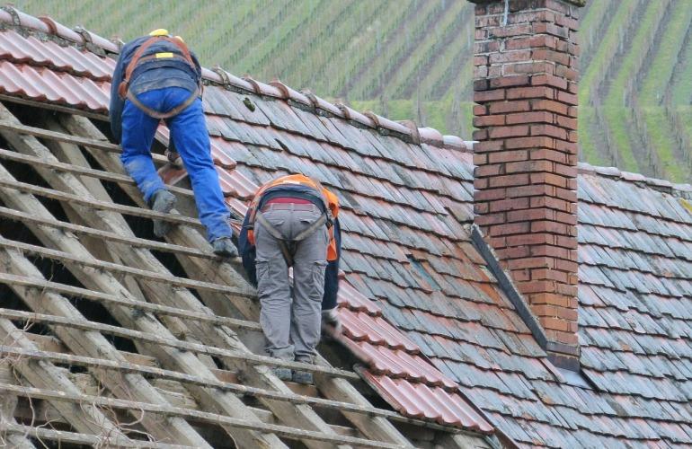 travailleurs toiture
