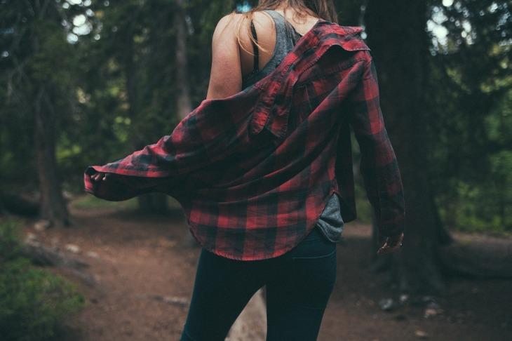 femme en chemise