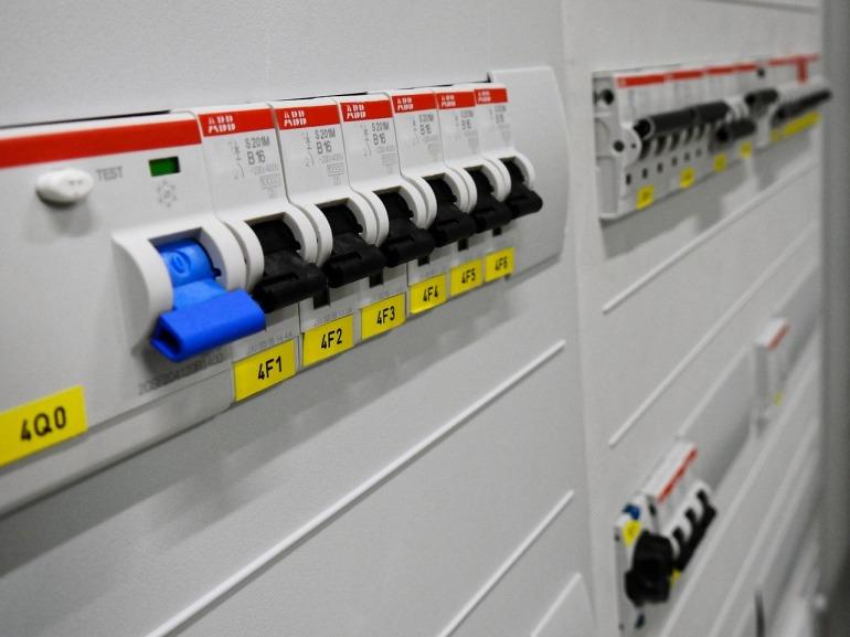 disjoncteurs sur tableau électrique