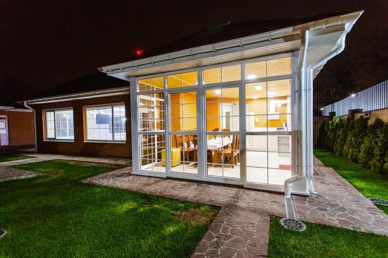 veranda blanche