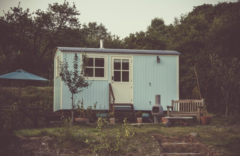 tiny house blanche