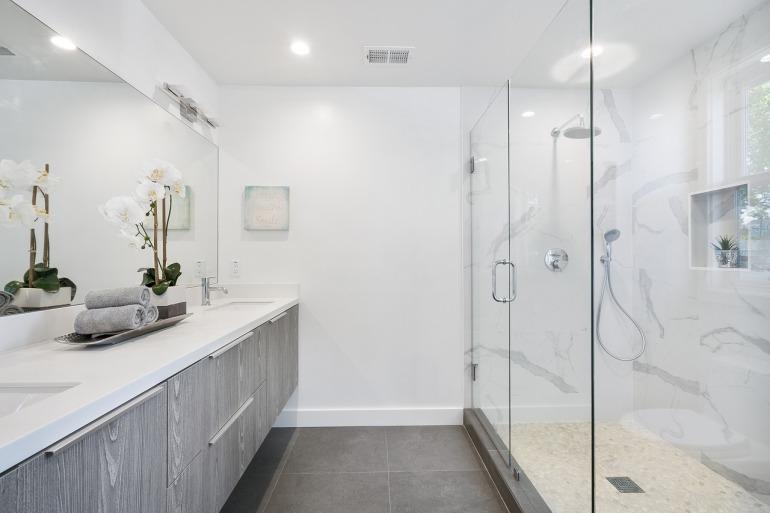 bathroom-3346387_1280