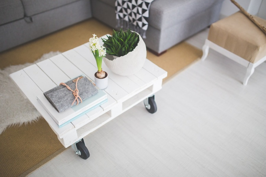 Comment entretenir sa table basse ?
