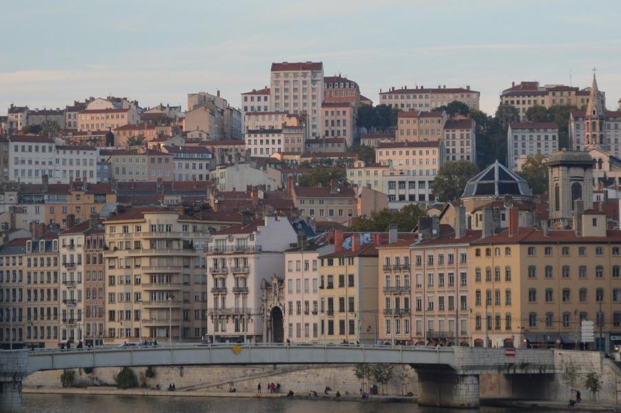 Lyon, les services d'une entreprise de débarrassage pour vider voslocaux
