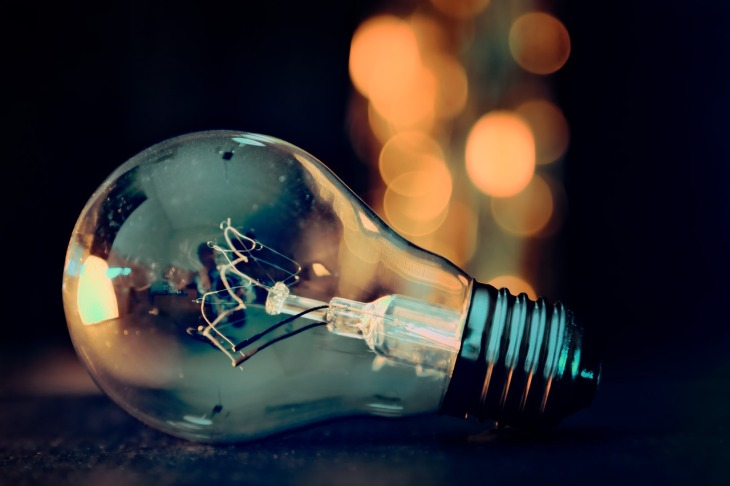 light-bulb-3535435_1280(2)