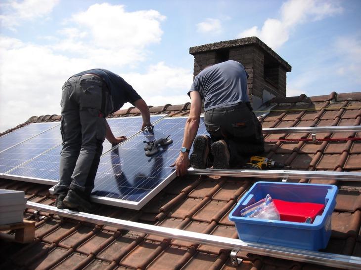 solar-panels-943999_1280