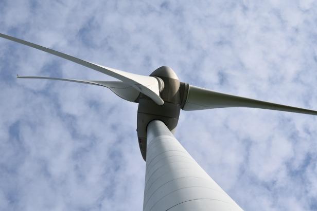 wind-turbine-4178777_1280
