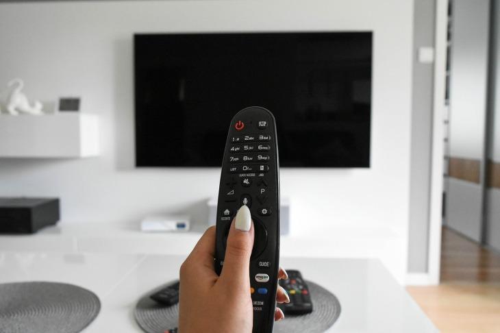 tv-4308537_1280
