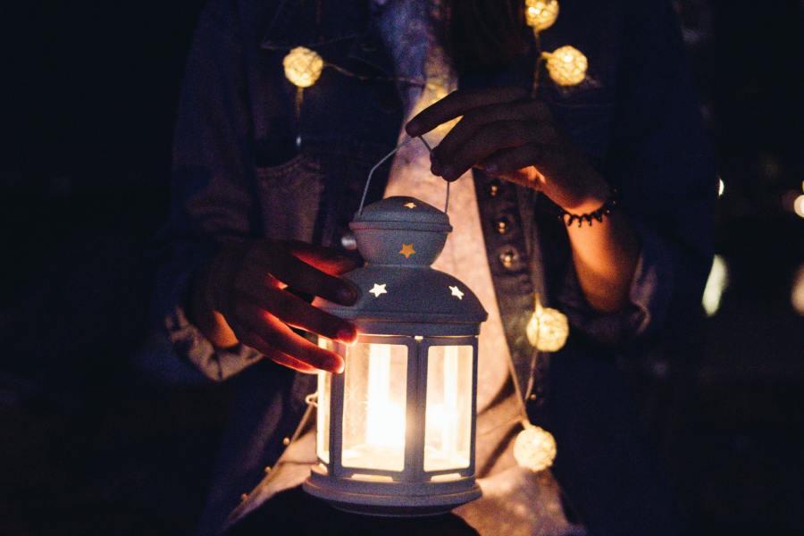 9 manières d'utiliser les guirlandes lumineuses chezvous