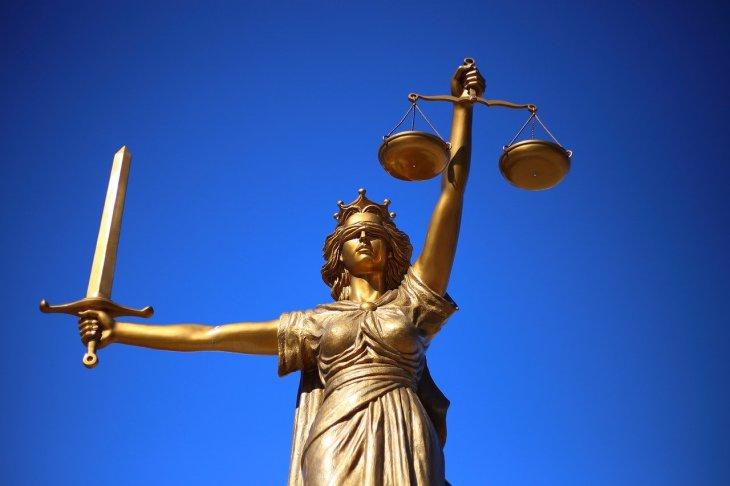 justice-2060093_1280(8)