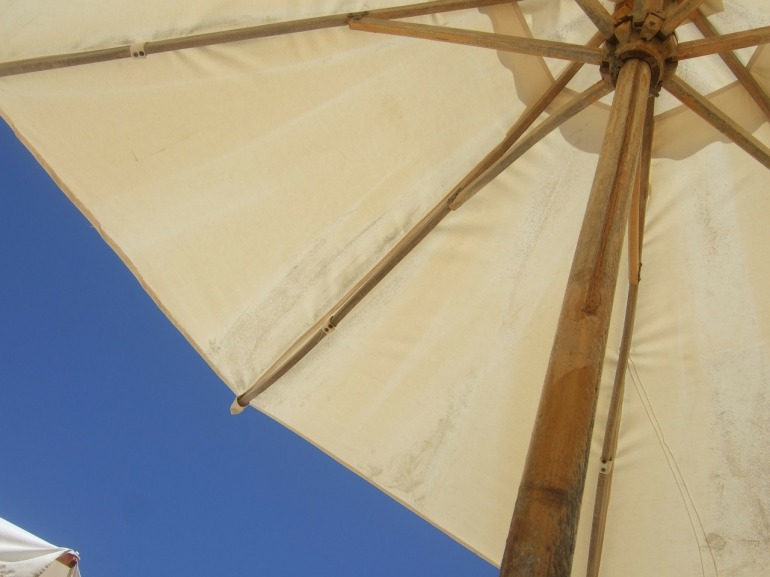 parasol-315328_1280