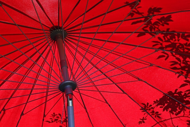 parasol-3668881_1280