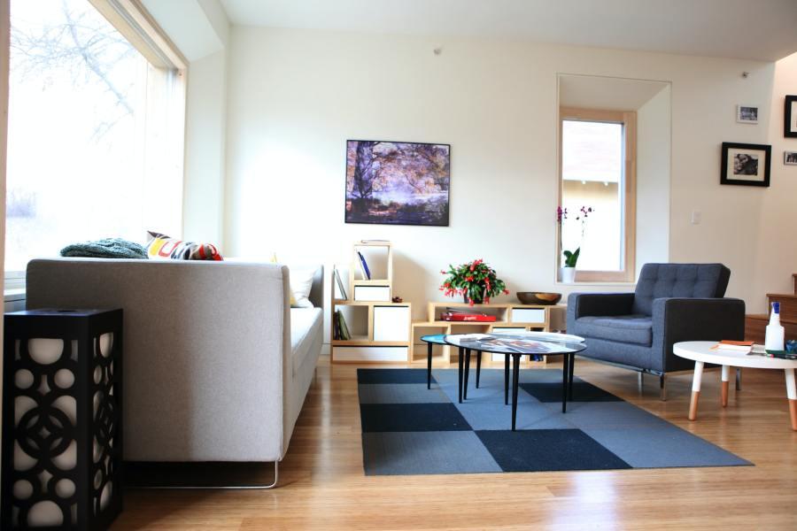 Comment peindre son salon pour créer une ambiance relaxante?