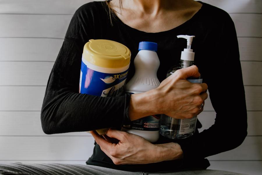 Comment limiter l'utilisation des produits d'entretien chez soi?